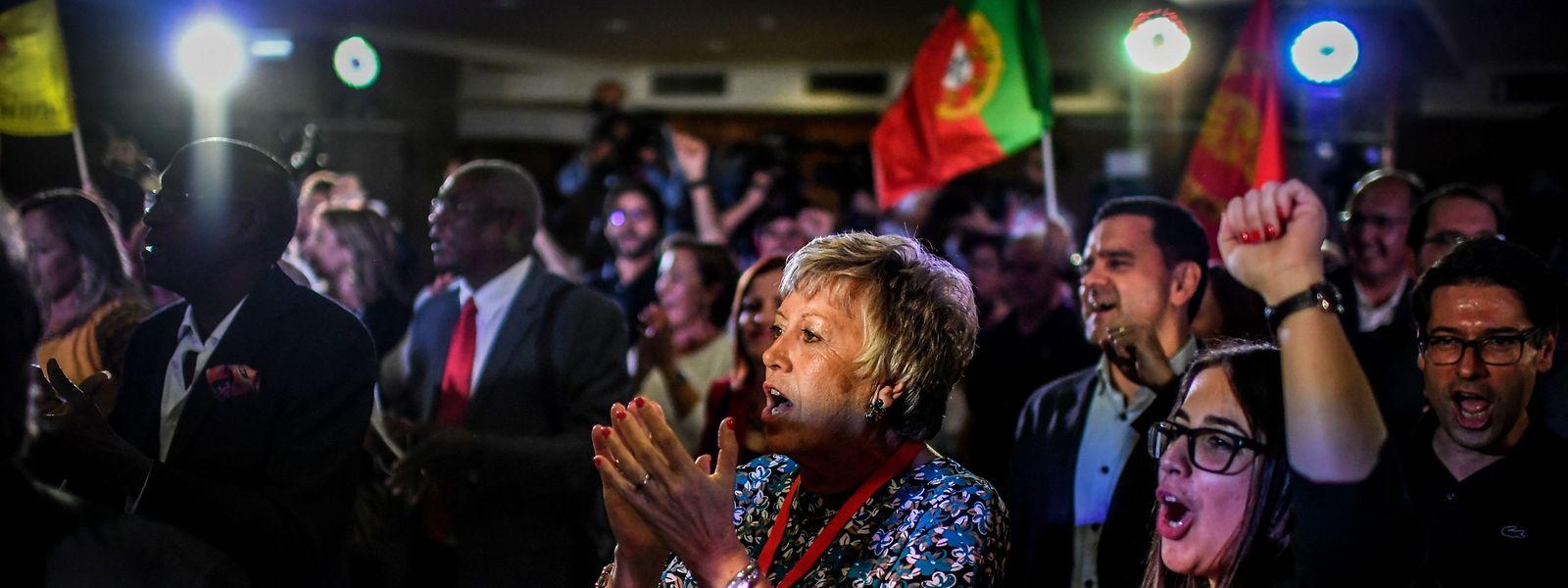 Politisch gehört Portugal zu den bedingungslos Pro-europäischsten Staaten der EU.