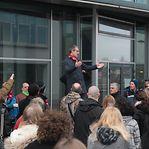 Funcionários da Escola Internacional do Luxemburgo em protesto