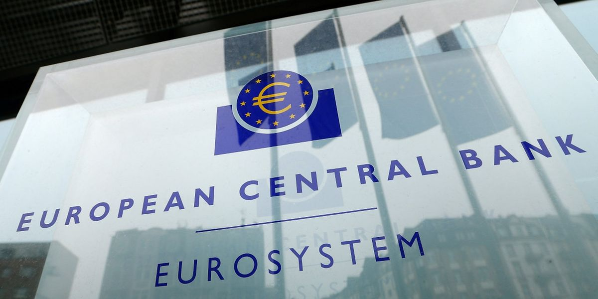 Les économistes n'attendaient aucune annonce nouvelle sur le front des taux, avant  l'élection présidentielle en France le 7 mai.