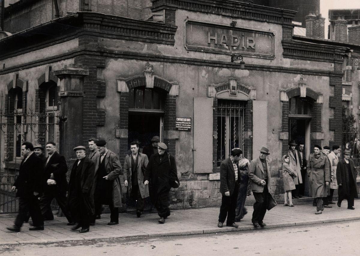 Schichtwechsel bei der Hadir im Jahr 1960