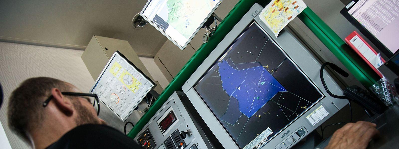 Ob die Anflugkontrolle auf dem Findel bleibt und die Radarlotsen auch in Zukunft ihren Dienst in Luxemburg versehen, wird voraussichtlich Ende September entschieden.