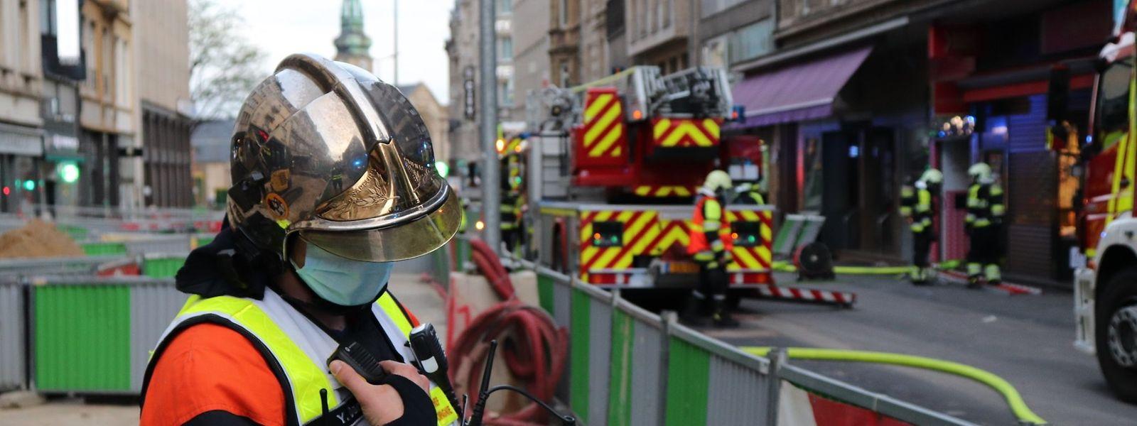 Ein Großaufgebot von Feuerwehrleuten konnte den Brand unter Kontrolle bringen.