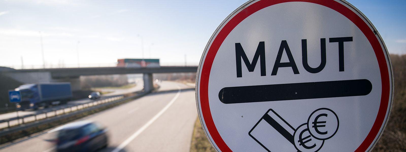 Ausländer sollten ab Oktober 2020 auf deutschen Autobahnen Maut bezahlen. Der Europäische Gerichtshof hat der Regierung in Berlin nun einen Strich durch die Rechnung gemacht.