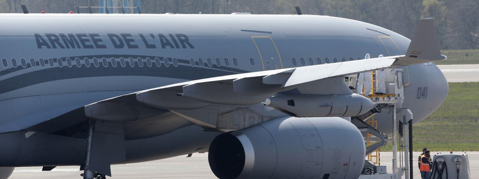 Comme vendredi, c'est le même Airbus A330 de l'armée de l'air française qui a atterri vers 11h30 au  Findel.