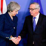 Brexit. Bruxelas não negoceia, mas May e Juncker voltam a reunir-se este mês