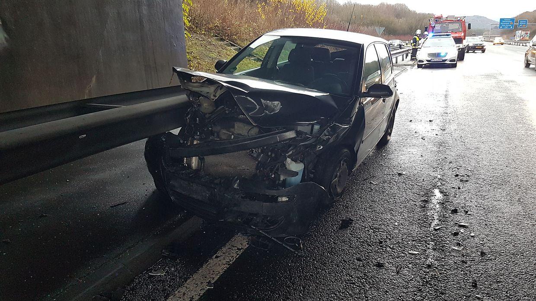 Am Wagen entstand hoher Sachschaden.