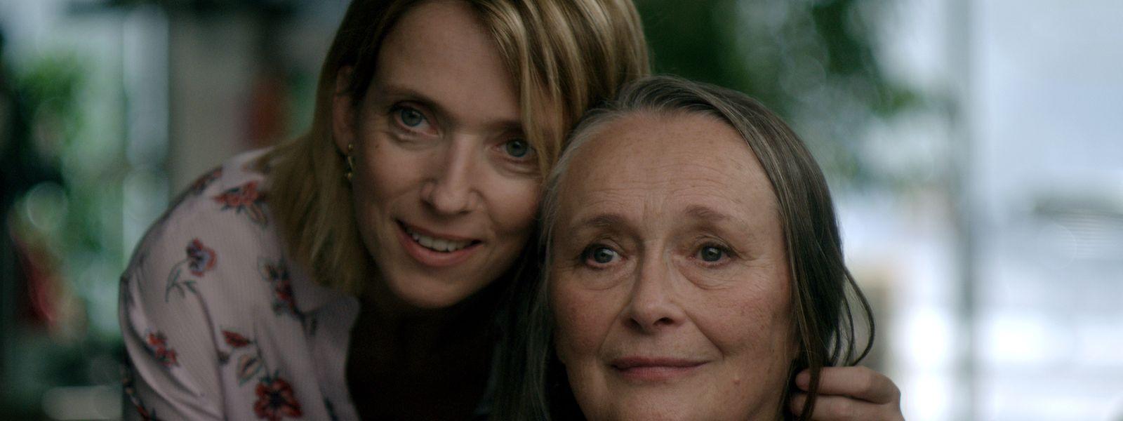 """Deux"" conta a história de amor entre duas mulheres."