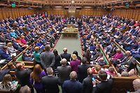 ARCHIV - 03.04.2019, Großbritannien, London: Blick auf das britische Parlament während der Fragestunde «Questions to the Prime Minister» (Fragen an die Premierministerin) im Unterhaus. (zu dpa «Britisches Parlament wird bereits am Montag in Zwangspause geschickt») Foto: -/House Of Commons/PA Wire/dpa - ACHTUNG: Nur zur redaktionellen Verwendung und nur mit vollständiger Nennung des vorstehenden Credits +++ dpa-Bildfunk +++