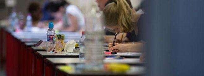 Die Regierung möchte die Zahl der Examensfächer und der mündlichen Prüfungen auf Première reduzieren.