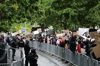 Lokales, demo virun US ambassade, George Floyd, foto: Chris Karaba/Luxemburger Wort