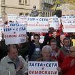Hunderte Menschen protestierten in der Hauptstadt gegen das Freihandelsabkommen.