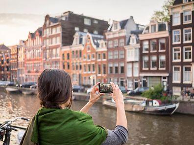 La ville des Pays-Bas arrive en tête des destinations les plus recherchées sur le site devant Barcelone et Paris.