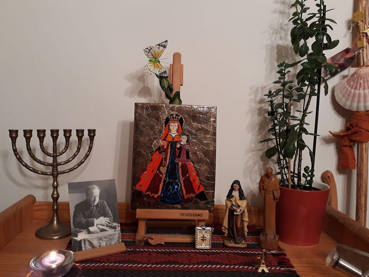 Mit einer Gebetsecke in der Wohnung fällt es leichter, sich auf die digitale Oktave einzustimmen.