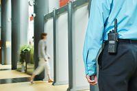 Actuellement au Luxembourg, n'importe qui avec n'importe quelle formation peut postuler comme agent de sécurité