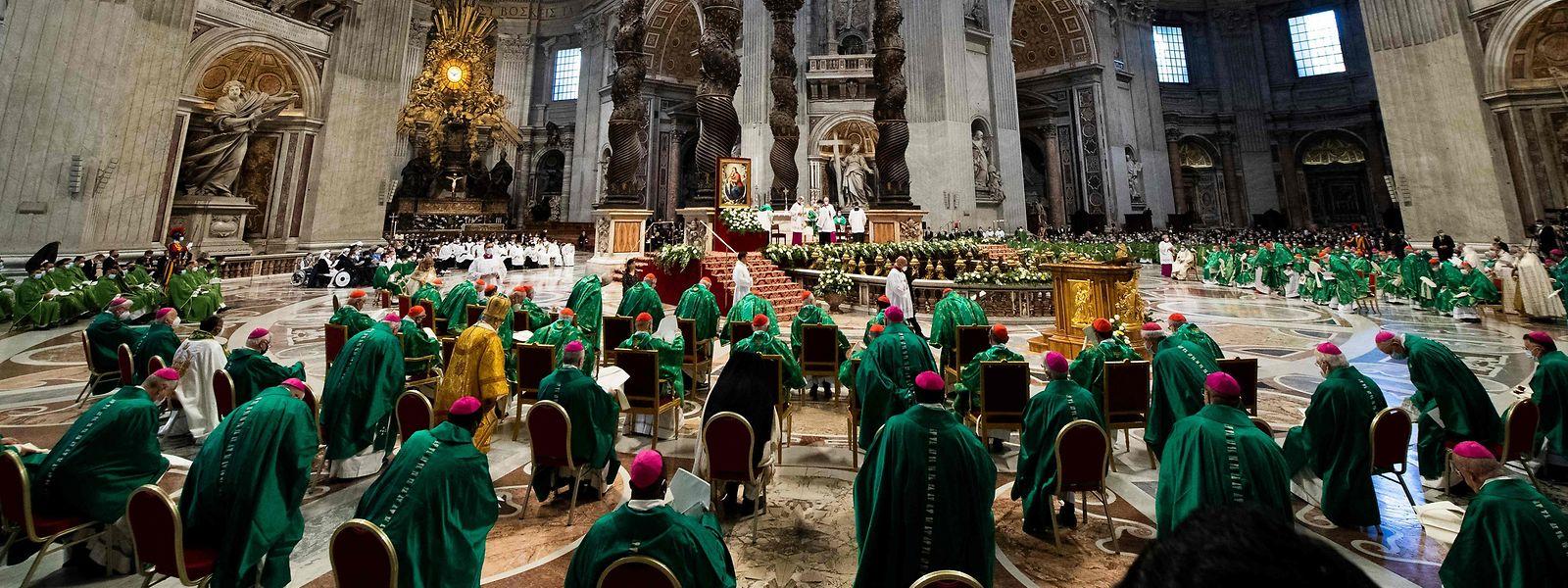 Der Gottesdienst fand im Petersdom statt.
