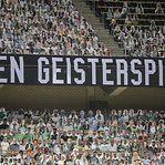 Espectadores de cartão substituem adeptos no Borussia Monchengladbach/ Bayer Leverkusen