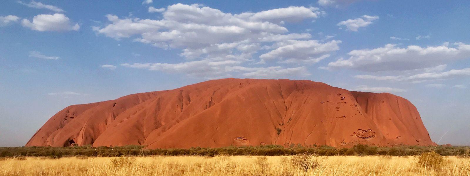 Beliebte Reiseziele wie den Ayers Rock in Australien werden Touristen wohl frühestens 2022 wieder sehen.