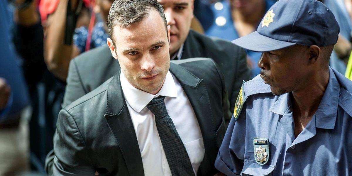 Für Oscar Pistorius ist die letzte Hoffnung erloschen: Er muss wegen Totschlags ins Gefängnis.