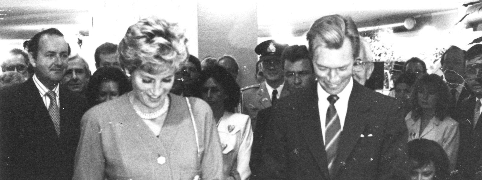 """Lady Di und Erbgroßherzog Henri eröffnen die Ausstellung """"Britain in Luxembourg"""" in den Messehallen in Kirchberg."""