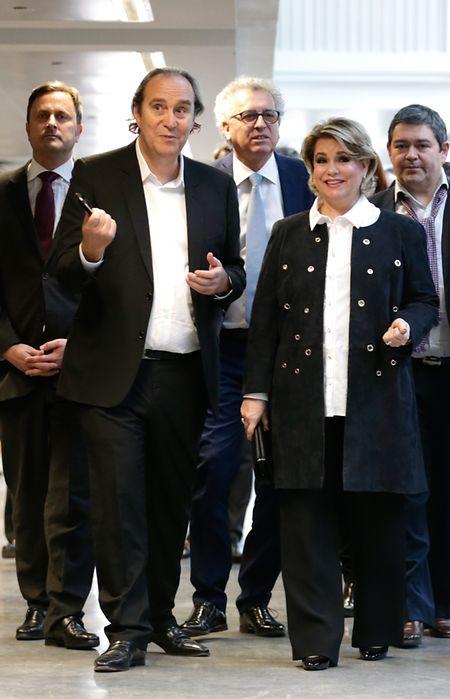 La Grande-Duchesse Maria Teresa est accompagnée par Xavier Niel pour la visite de la Station F.