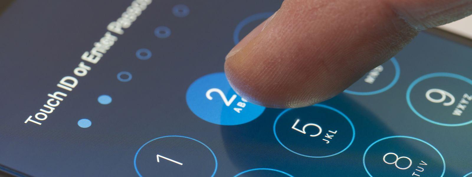 """Die Software """"Pegasus"""" der israelischen Firma NSO kann auf Handys installiert werden, ohne, dass die Opfer etwas davon mitbekommen."""