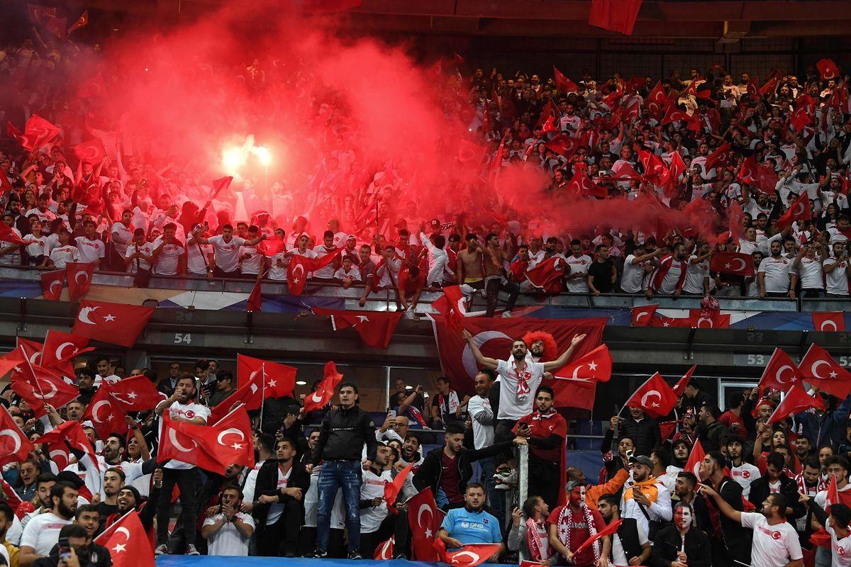 Une folle ambiance au Stade de France.