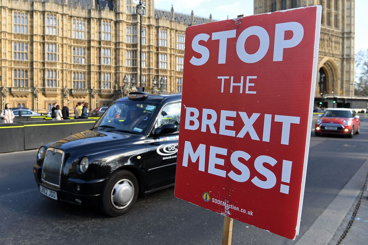 Eigentlich sollten die Briten die EU am 29. März verlassen, doch vimmer noch herrsch Uneinigkeit darüber, wie es weiter gehen soll.