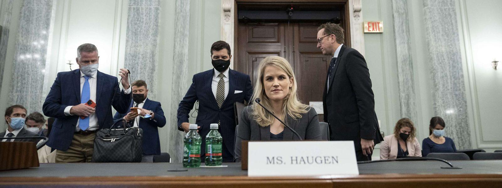 Pour Frances Haugen, ingénieure informatique et ancienne salariée de Facebook, le géant du Net peut être contré, mais à condition «d'agir maintenant».