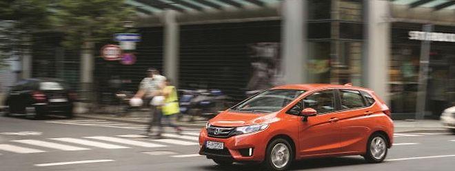 Das neue Honda-Design beschert dem fünftürigen Jazz eine sportliche Frontpartie und kraftvoll gezeichnete Linien.