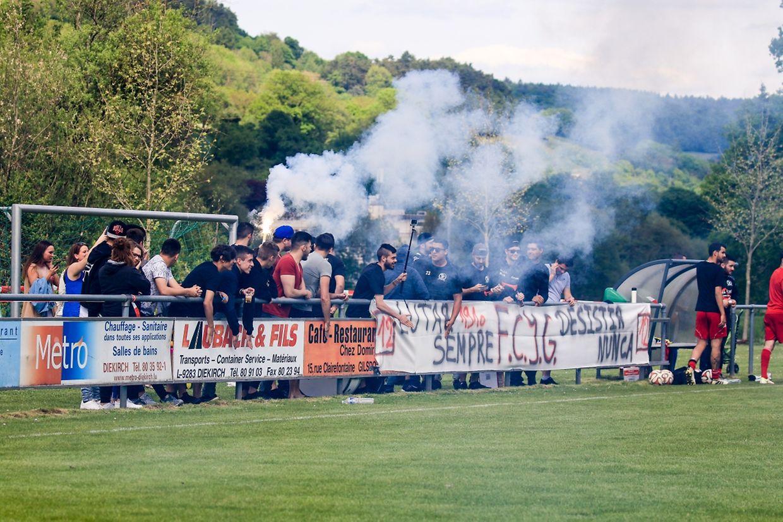 Les supporters de la Jeunesse Gilsdorf ont mis le feu.