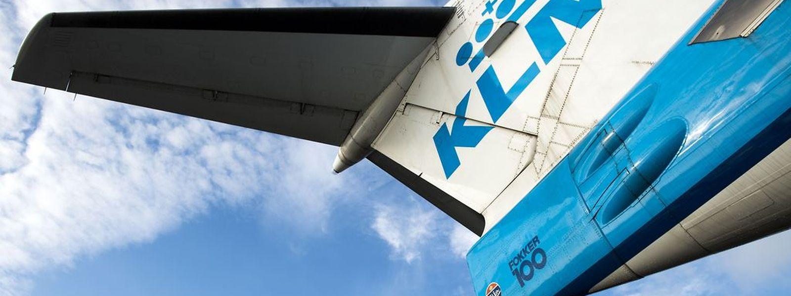 Die KLM Embraer musste wegen Rauchs in der Kabine einen unplanmäßigen Stopp auf Findel einlegen.