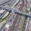 SCREENSHOT - Datum unbekannt, Italien, Genua: Das Bild der Autobahnbrücke Ponte Morandi, aus dem von Google Earth zu Verfügung gestellten Material erzeugt, zeigt einen Teil der Brücke vor ihrem Einsturz. Beim dem Unglück sind mindestens 35 Menschen ums Leben gekommen. Das berichtete die Nachrichtenagentur Ansa unter Berufung auf die Feuerwehr. Foto: -/Google/dpa - ACHTUNG: Nur zur redaktionellen Verwendung und nur mit vollständiger Nennung des vorstehenden Credits. Das Foto darf nicht verändert werden. +++ dpa-Bildfunk +++