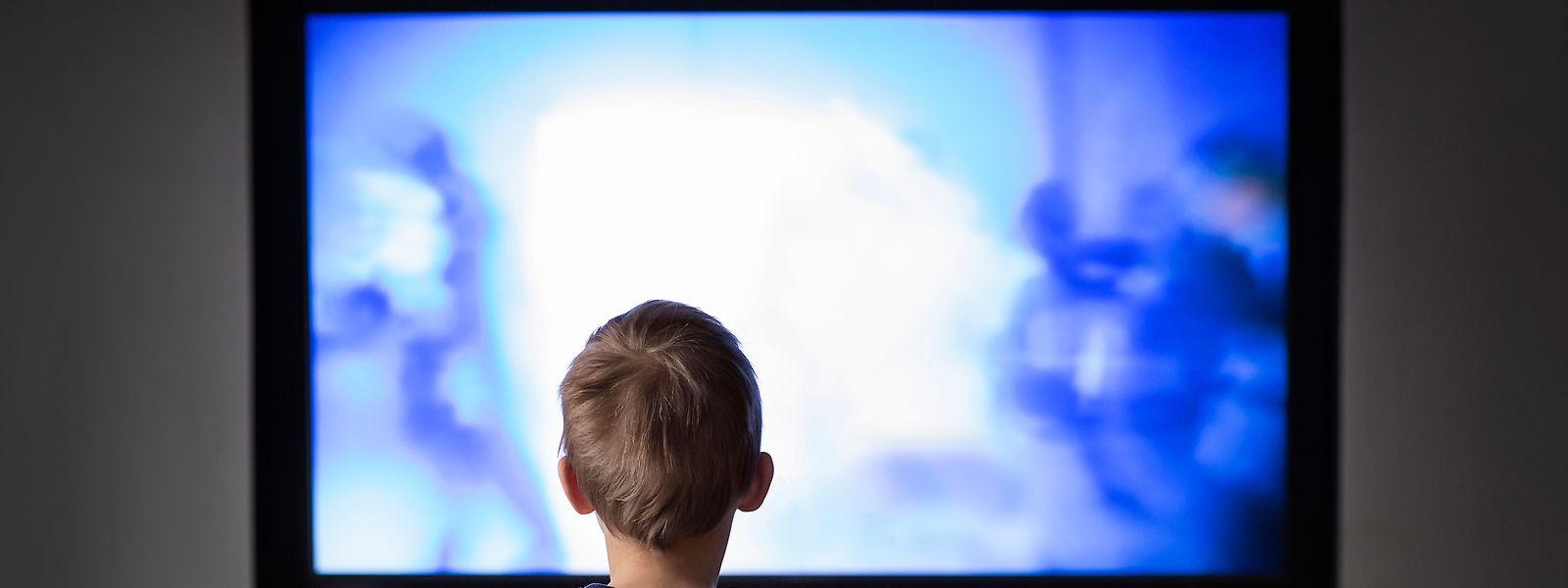 Schon im frühen Alter werden Kinder mit einer Vielzahl von Medien umgeben.