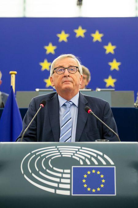 Der scheidende Präsident der Europäischen Kommission, Jean-Claude Juncker, hält seine Abschiedsrede im Europäischen Parlament.