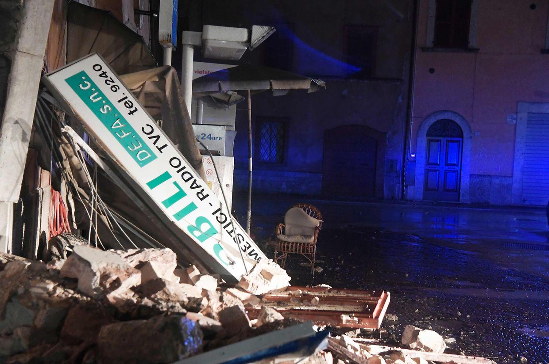 Beschädigungen in der Ortschaft Visso in der Provinz Macerata.