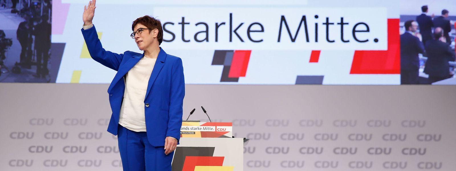Annegret Kramp-Karrenbauer ließ den Parteitag entscheiden - und erhielt die geforderte Unterstützung.