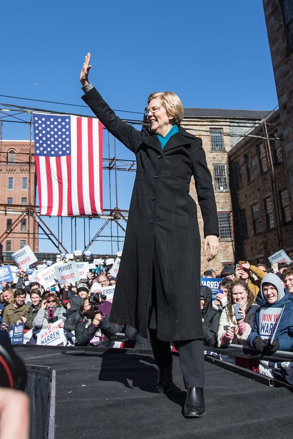 LAWRENCE, MA - FEBRUARY 09: Sen. Elizabeth Warren (D-MA), announces her official bid for President onFebruary9, 2019 in Lawrence, Massachusetts. Warren announced today that she was launching her 2020 presidential campaign.   Scott Eisen/Getty Images/AFP == FOR NEWSPAPERS, INTERNET, TELCOS & TELEVISION USE ONLY ==