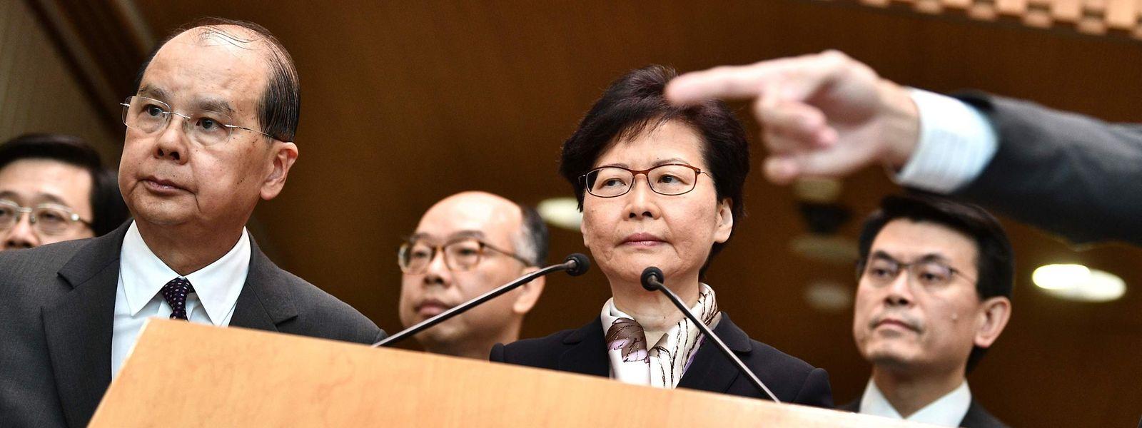 Après deux semaines de silence, Carrie Lam a défendu lundi une ligne de fermeté face aux manifestants qui ont déclenché des opérations de blocage des transports en commun.