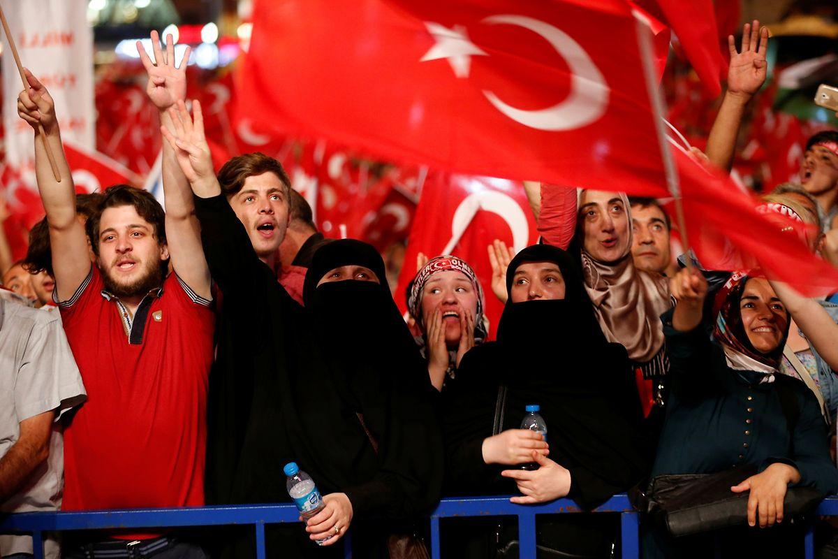 Erdogan-Anhänger auf dem Taksim-Platz in Istanbul.