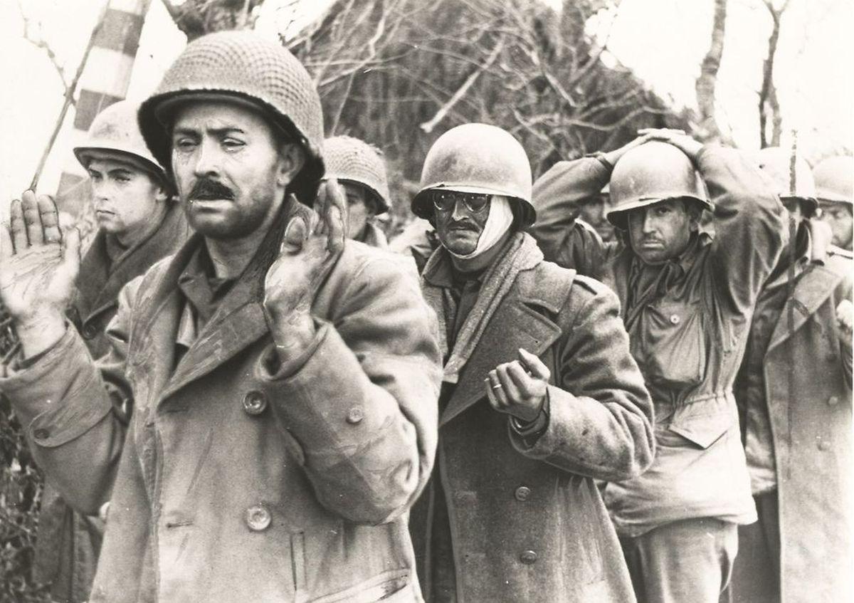 US-amerikanische Kriegsgefangene zu Beginn der Ardennenoffensive.