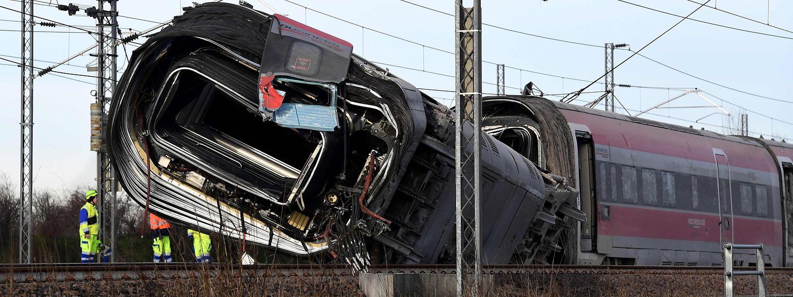 Bei dem Zugunglück vergangene Woche starben zwei Lokführer.