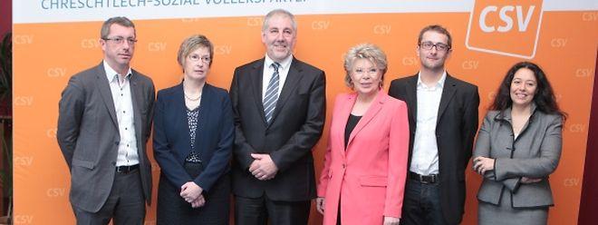 """Spitzenkandidatin Viviane Reding und ihre """"Kompetenz-Mannschaft"""" für die Europawahlen."""