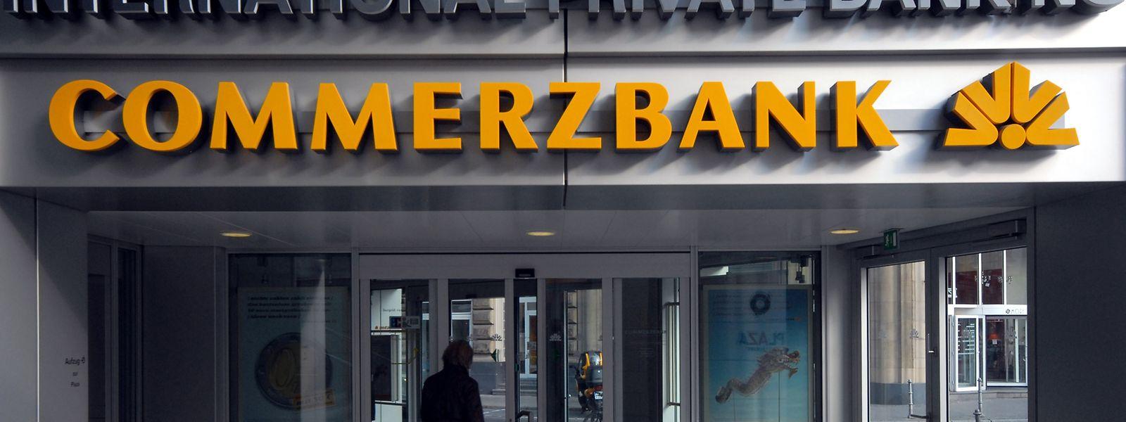 Zahlte letztes Jahr 75 Millionen Euro Strafe wegen alten Cum-Ex-Geschäften: Commerzbank.