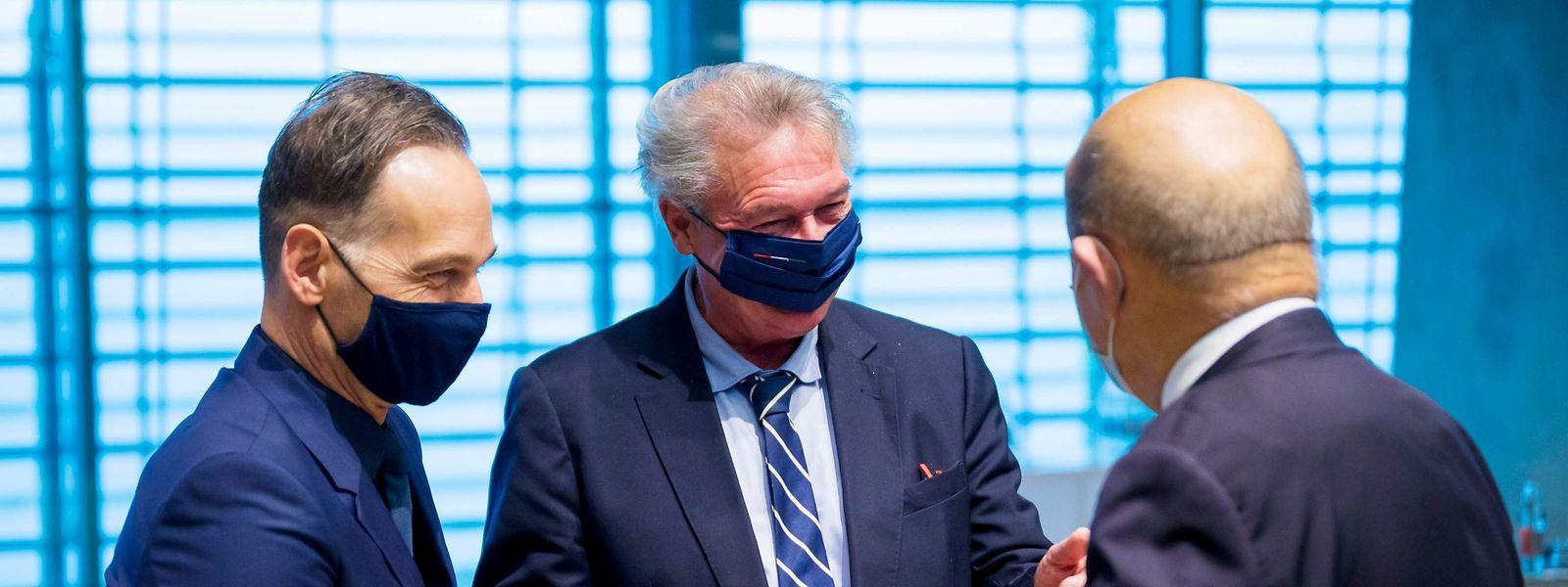 Der luxemburgische Außenminister Jean Asselborn (LSAP, mitte) mit seinen Amtskollegen Heiko Maas (Deutschland, links) und Jean-Yves Le Drian (Frankreich, rechts).