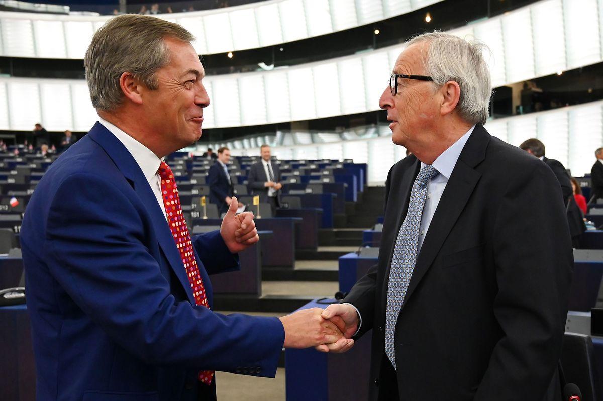 Jean-Claude Juncker mit dem Chef der Brexit Party, Nigel Farage.