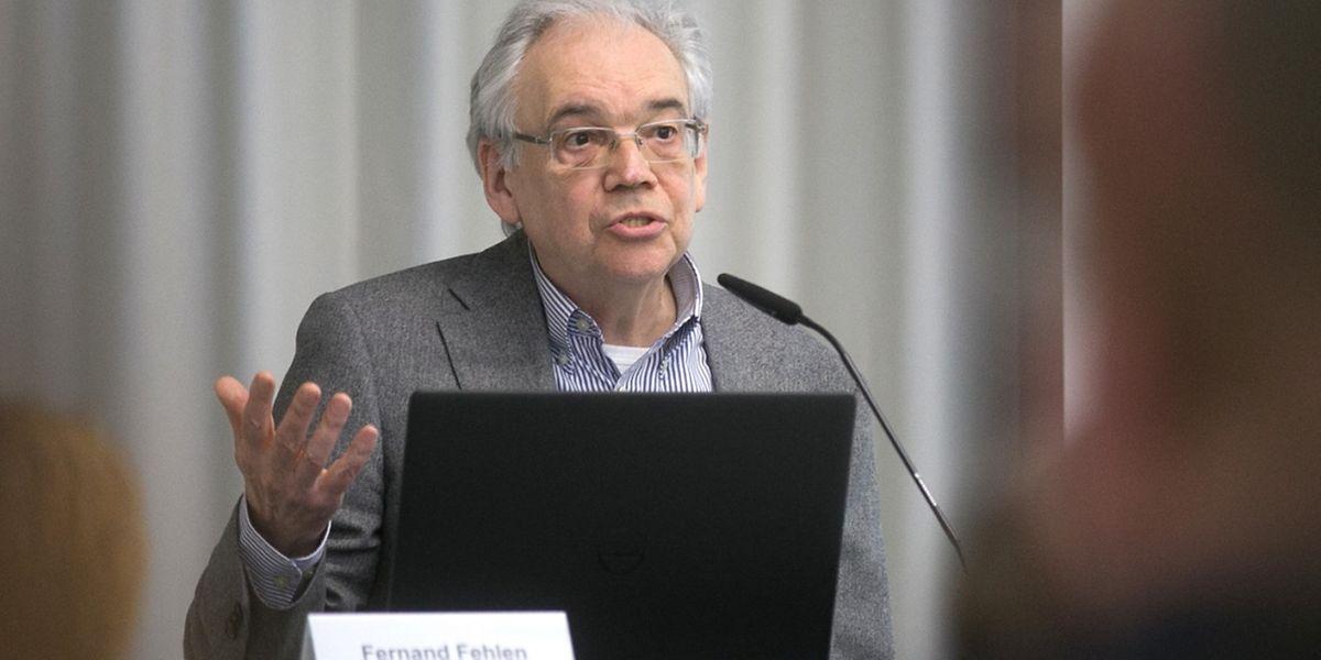 Le sociologue Fernand Fehlen lors de la table ronde du 28 mars consacrée à la pratique des langues dans le cadre du travail