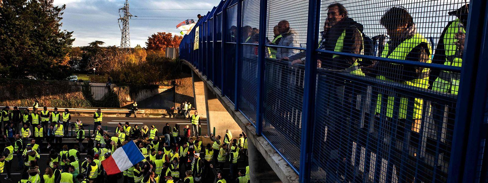 Manifestation sur l'A6 à Villefranche-sur-Saône le 24 novembre