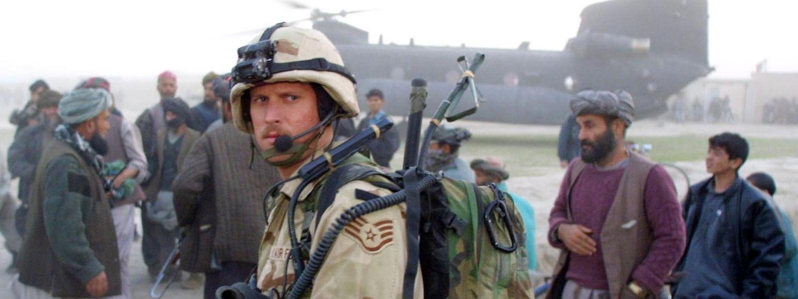 Als Reaktion auf die 9/11-Terroranschläge griffen die USA gemeinsam mit ihren Verbündeten Afghanistan am 7. Oktober 2001 an.