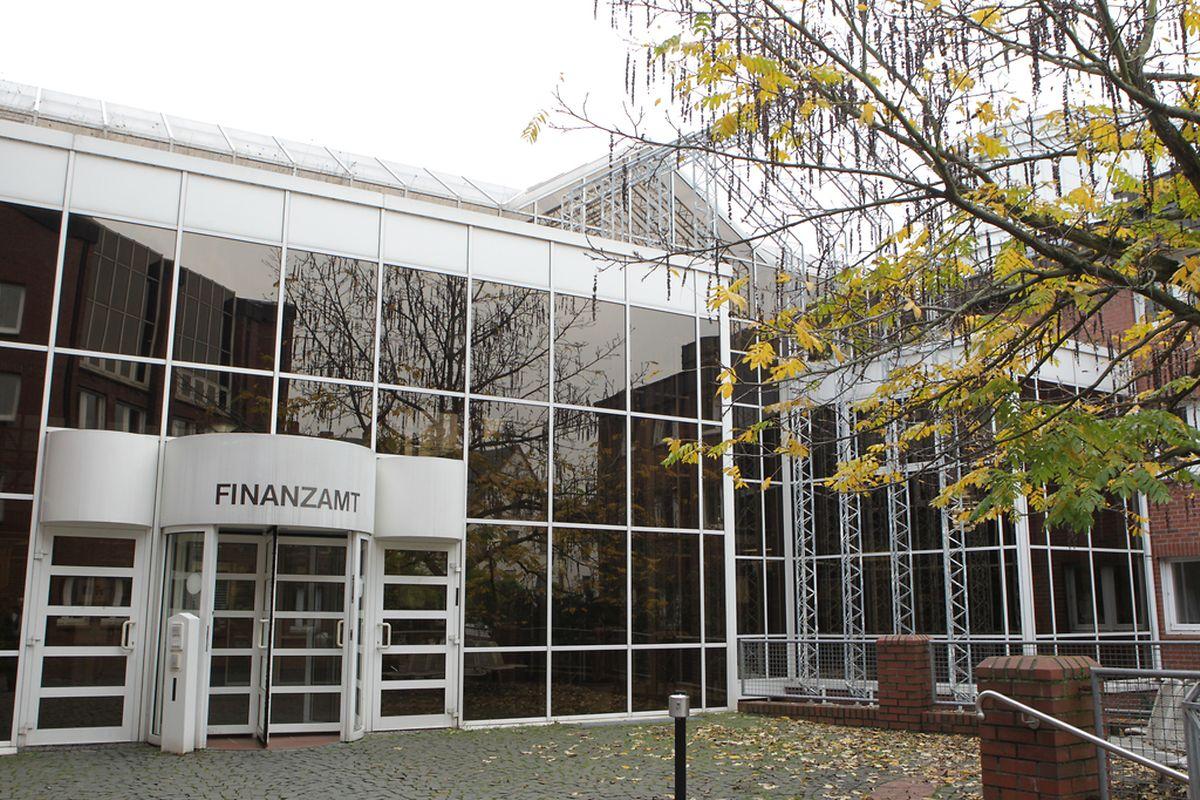 Das Finanzamt Trier informierte vor gut einem Jahr darüber, dass Luxemburger Unternehmen deutsche Umsatzsteuer zu zahlen hätten, sofern Grenzgängern ein Dienstwagen zur privaten Nutzung überlassen wird.