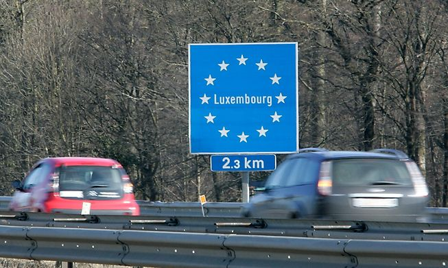 You are entitled to healthcare in your country of residence if you pay social security contributions in Luxembourg.